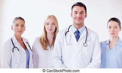 groupe, médecins, sourire