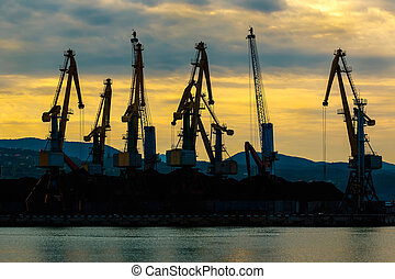 grues, aube, chargement, silhouette, port