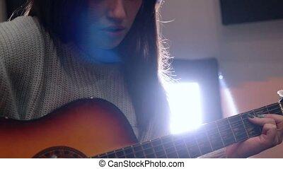 guitare, femme, jeune, studio enregistrement, jouer