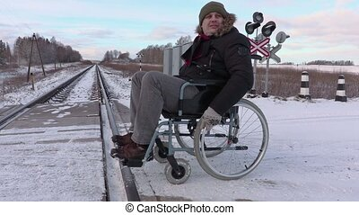 handicapé, croisement, fauteuil roulant, ferroviaire, homme