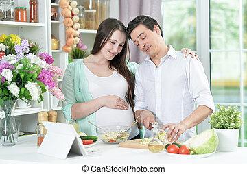 haut, cuisine, mari, fin, épouse, heureux, ensemble, cuisine, portrait
