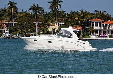 haut gamme, yacht de croisière