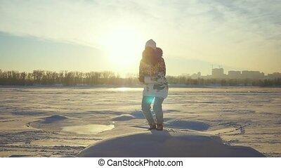 haut, montagne, lent, hiver, urbain, sauts, flamme, sommet, ensoleillé, jeune, jour, mouvement, arrière-plan., femme, ville, effets, coucher soleil, lense, joyeux, 1920x1080