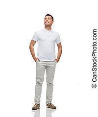 haut, regarder, poches, mains, homme souriant