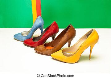 hauts talons, chaussures