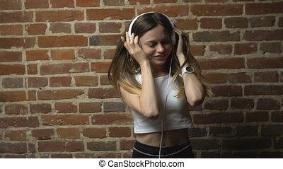 heureusement, musique, danses, hipster, girl