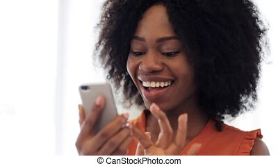 heureux, américain, smartphone, africaine