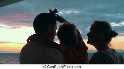 heureux, apprécier, coucher soleil, famille, enfant