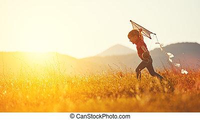 heureux, courant, enfant, girl, pré, été, cerf volant