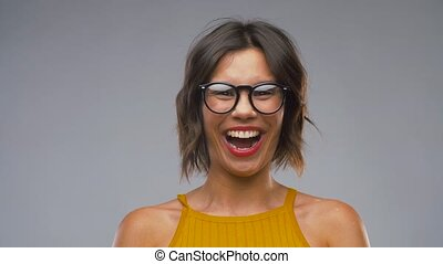 heureux, lunettes, rire, femme, jeune