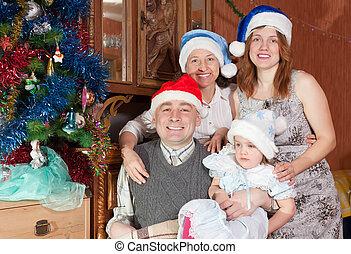 heureux, portrait, noël, famille, chapeaux