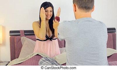 heureux, sur, femme, proposition, mariage