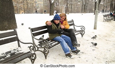 hiver, parc, neige, fils, jeu mère