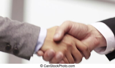 homme affaires, femme affaires, serrer main