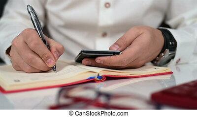 homme affaires, utilisation, téléphone