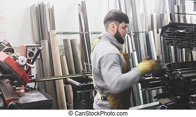 homme, atelier, ouvrier, travail, acier, portrait, professionnel, pendant