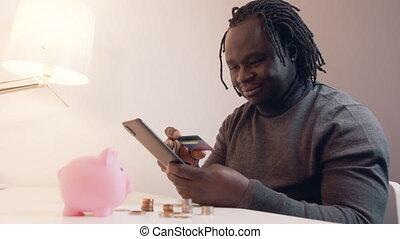 homme, carte de débit, américain, ligne, smartphone, noir, utilisation, payant, africaine, achats, jeune, achats