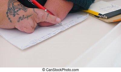homme desactivé, paper., écrit, lettre