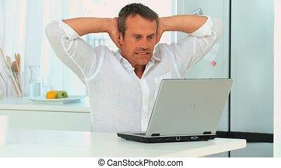 homme, fonctionnement, ordinateur portable, accentué