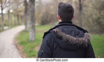 homme, jeune, promenades, park., par, automne