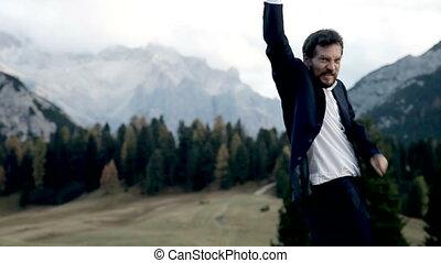 homme montagne, business, heureux