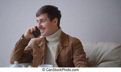 homme, restaurant, conversation, téléphone.