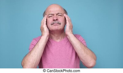 homme, sentiment, hispanique, mal tête, souffrance, personne agee, désespéré, accentué