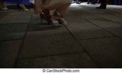 hommes, femmes, soir, jambes, danse, rythmique, fête, danse, robes, long