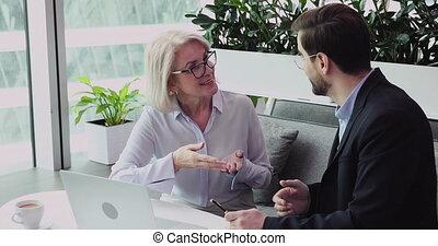 idées, heureux, discuter, age moyen, partner., femme affaires, projet