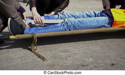 infirmiers, immobiliser, victim's, jambe