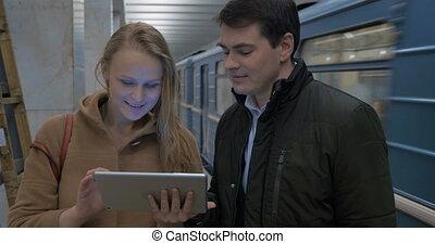 informatique, métro, jeune, tablette, gens
