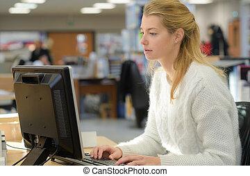 informatique, ouvrier, femme, bureau