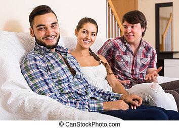 intérieur, adulte, maison, heureux, partenaires