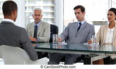 interviewer, gens, cand, business