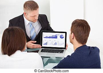 investissement, expliquer, couple, plan, conseiller