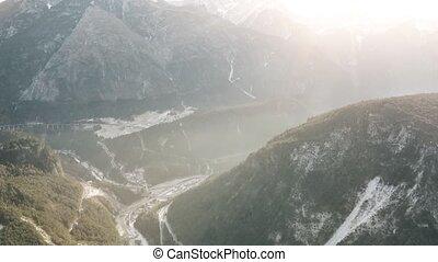italie, alpes, neigeux, brumeux, aérien, vallée, coup