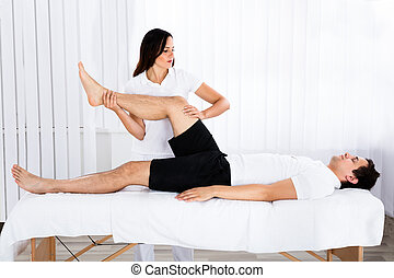 jambe, donner, masseur, jeune, femme, masage, homme