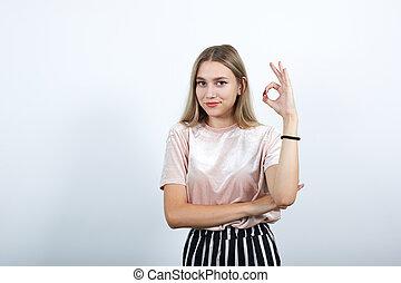 jeune, geste, projection, femme, beau, ok, caucasien, signe