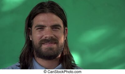 jeune homme, portrait, sourire, latino, barbe