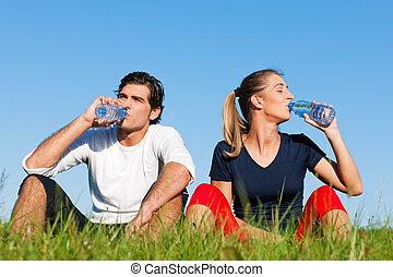 joggeur, reposer, couple, eau, boire