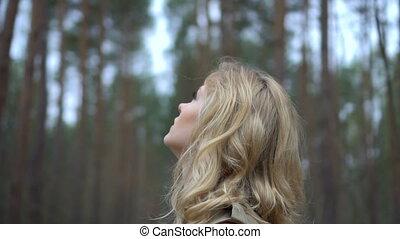 joli, forêt, femme, blond