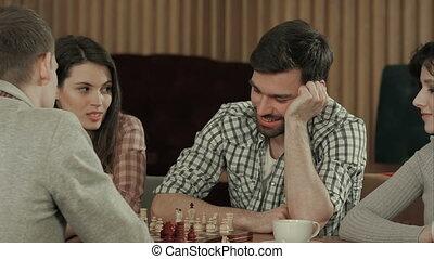 jouer, hommes, amis, jeune, échecs