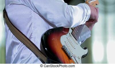 jouer, jeune, mariage, musicien, guitare
