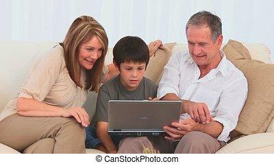 jouer, ordinateur portable, jeu, famille
