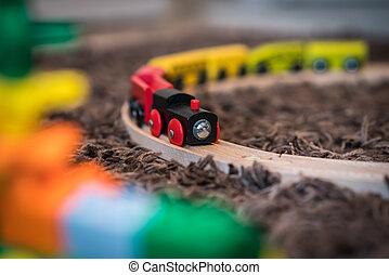 jouet bois, train, coloré