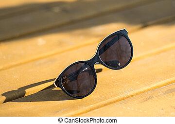 jour, closeup., rond, foyer, lentilles, sélectif, noir, grand, modèle, chat, cadre, pousse, dehors, lunettes soleil, dames, oeil, ensoleillé, mode
