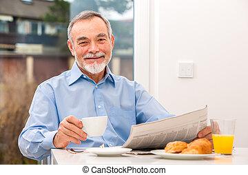 journal, homme aîné