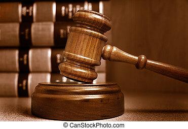 juges, empilé, derrière, livres, marteau, droit & loi