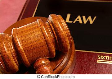 juges, livre, closeup, au-dessus, marteau, droit & loi