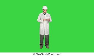 key., téléphone, chercheur, cellule, healthcare, dentiste, écran, sms, chroma, professionnel, message, vert, aide, médecin, infirmière, texte, docteur, lecture